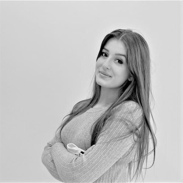 Anaïs PIERRE - ASSISTANTE CHARGEE DE COMMUNICATION - APPELS D'OFFRES